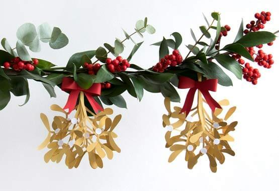 How To Make Your Own Mistletoe